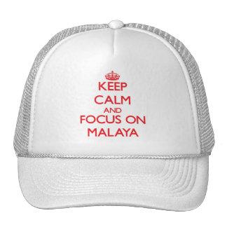 Guarde la calma y el foco en Malaya Gorros