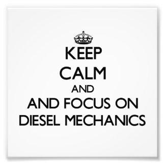 Guarde la calma y el foco en mecánicos diesel arte con fotos