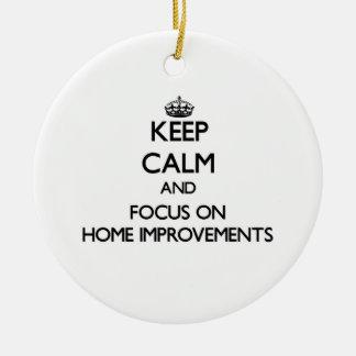 Guarde la calma y el foco en mejoras para el hogar adorno navideño redondo de cerámica