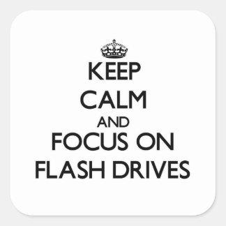 Guarde la calma y el foco en memorias USB Calcomanías Cuadradases