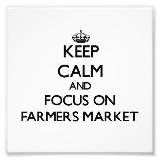Guarde la calma y el foco en mercado de los granje fotografías