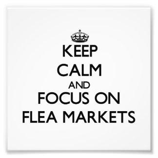 Guarde la calma y el foco en mercados de pulgas fotografías