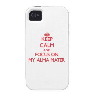 Guarde la calma y el foco en mi Alma Mater iPhone 4/4S Carcasa