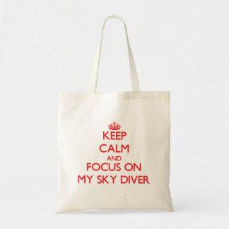 Guarde la calma y el foco en mi buceador del cielo bolsas de mano