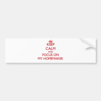 Guarde la calma y el foco en mi casero etiqueta de parachoque