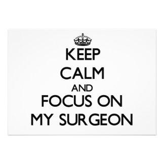 Guarde la calma y el foco en mi cirujano invitación