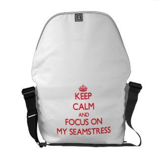 Guarde la calma y el foco en mi costurera bolsa messenger