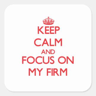 Guarde la calma y el foco en mi empresa pegatinas cuadradases personalizadas