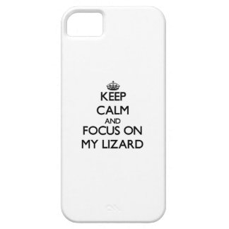 Guarde la calma y el foco en mi lagarto iPhone 5 funda