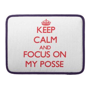 Guarde la calma y el foco en mi pandilla funda macbook pro