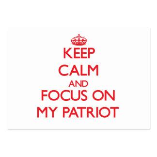 Guarde la calma y el foco en mi patriota tarjetas de visita grandes