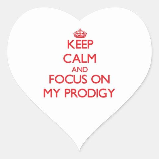 Guarde la calma y el foco en mi Prodigy Pegatina Corazon