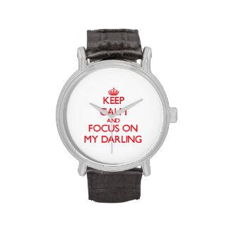 Guarde la calma y el foco en mi querido reloj de mano