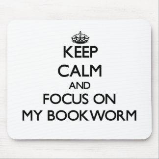 Guarde la calma y el foco en mi ratón de bibliotec