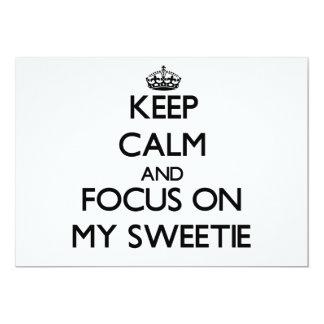 """Guarde la calma y el foco en mi Sweetie Invitación 5"""" X 7"""""""