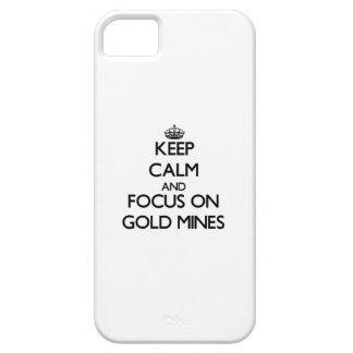 Guarde la calma y el foco en minas de oro iPhone 5 fundas