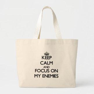 Guarde la calma y el foco en MIS ENEMIGOS