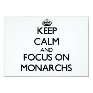 Guarde la calma y el foco en monarcas invitación 12,7 x 17,8 cm