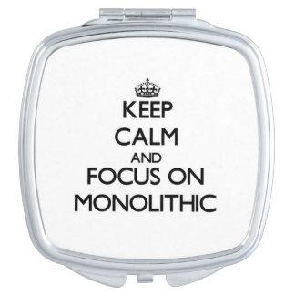 Guarde la calma y el foco en monolítico espejo compacto