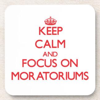 Guarde la calma y el foco en moratorias posavasos de bebida