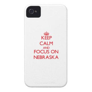 Guarde la calma y el foco en Nebraska iPhone 4 Case-Mate Cobertura