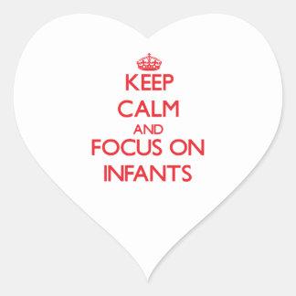 Guarde la calma y el foco en niños calcomania de corazon