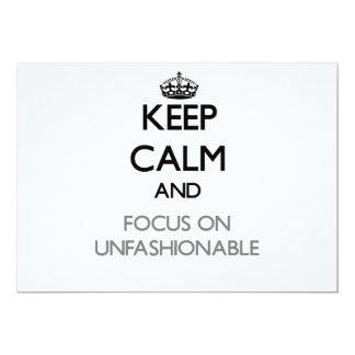 Guarde la calma y el foco en no ajustado a la moda comunicados personales