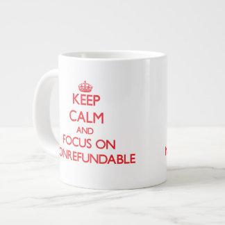 Guarde la calma y el foco en no retornable taza grande