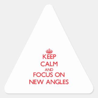 Guarde la calma y el foco en nuevos ángulos pegatina triangular
