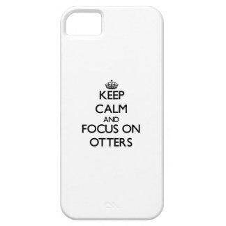Guarde la calma y el foco en nutrias iPhone 5 coberturas