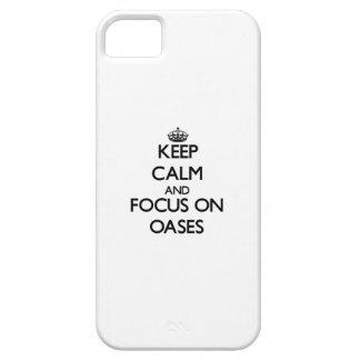 Guarde la calma y el foco en oasis iPhone 5 carcasa