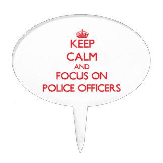 Guarde la calma y el foco en oficiales de policía