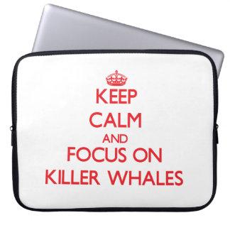 Guarde la calma y el foco en orcas fundas computadoras