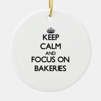 Guarde la calma y el foco en panaderías ornamento de reyes magos