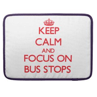 Guarde la calma y el foco en paradas de autobús funda para macbook pro
