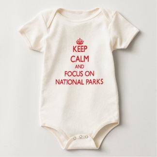 Guarde la calma y el foco en parques nacionales body para bebé
