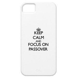 Guarde la calma y el foco en Passover iPhone 5 Carcasas