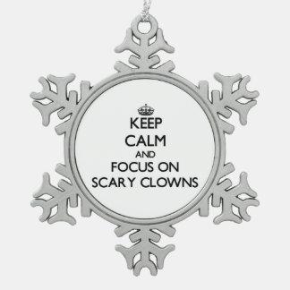 Guarde la calma y el foco en payasos asustadizos