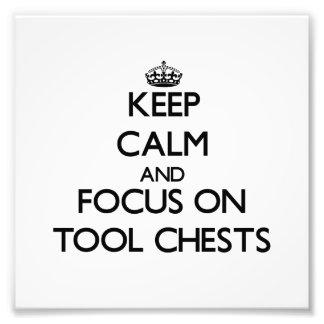 Guarde la calma y el foco en pechos de herramienta
