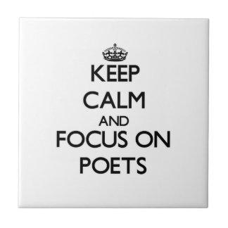 Guarde la calma y el foco en poetas