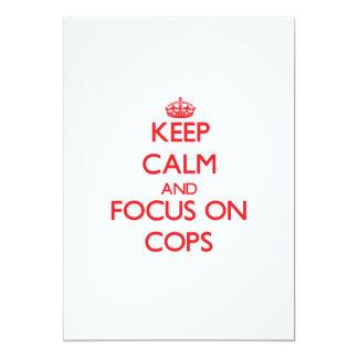 Guarde la calma y el foco en polis comunicado personalizado