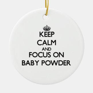 Guarde la calma y el foco en polvo de bebé