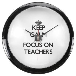 Guarde la calma y el foco en profesores relojes aqua clock