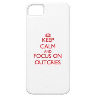guarde la calma Y EL FOCO EN protestas iPhone 5 Case-Mate Funda