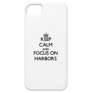 Guarde la calma y el foco en puertos iPhone 5 cárcasas
