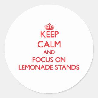 Guarde la calma y el foco en puestos de limonadas pegatinas