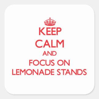 Guarde la calma y el foco en puestos de limonadas pegatina cuadradas personalizadas