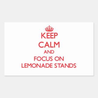 Guarde la calma y el foco en puestos de limonadas etiqueta