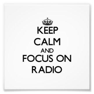 Guarde la calma y el foco en radio cojinete