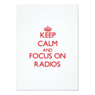 """Guarde la calma y el foco en radios invitación 5"""" x 7"""""""